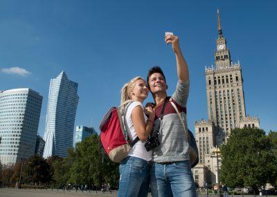 Raport przyjazdów do Warszawy