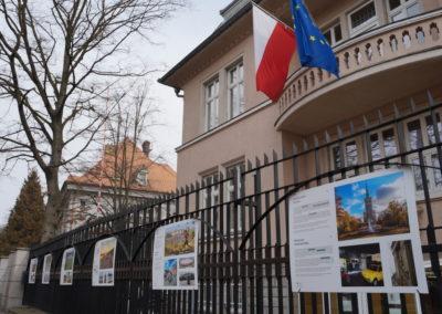 Atrakcje turystyczne Warszawy nawystawie plenerowej wOstravie